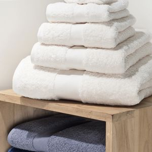 Heavyweight Bath Towel Vignette