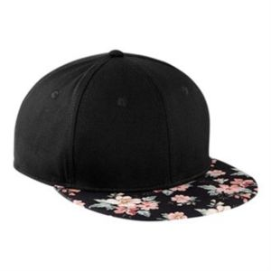 Graphic peak snapback Vignette
